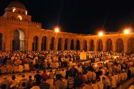 Prière_de_Tarawih_dans_la_Grande_Mosquée_de_Kairouan._Ramadan_2012